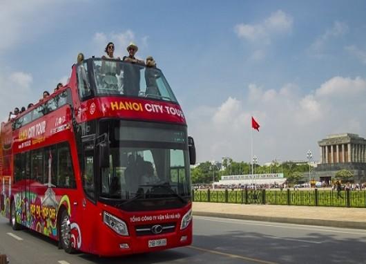 Vietnam's Seven localities pilot double-decker bus service